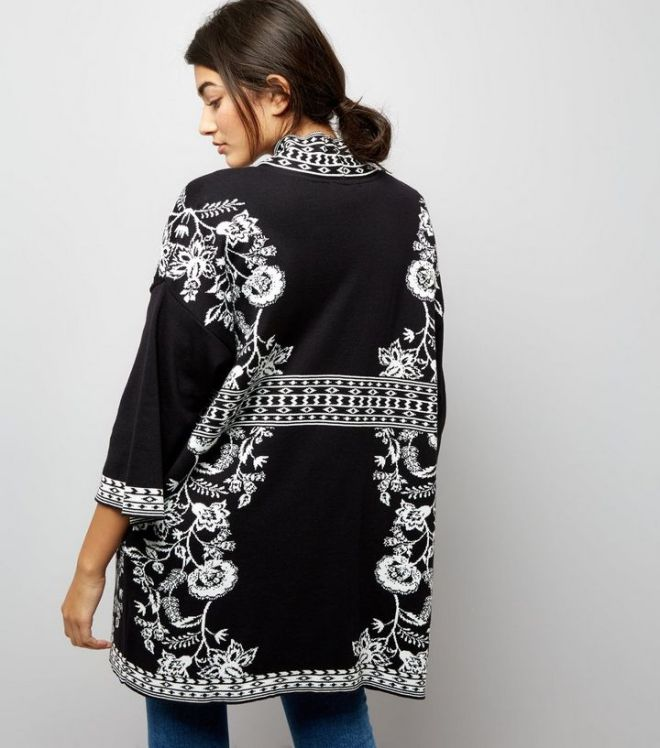 black-floral-knitted-kimono- NL