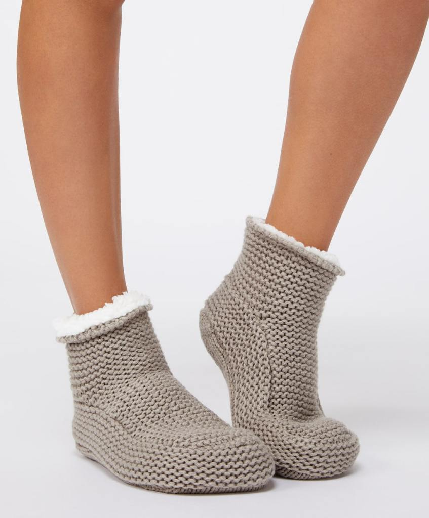 Oysho Fleece Slipper Boots £15.99
