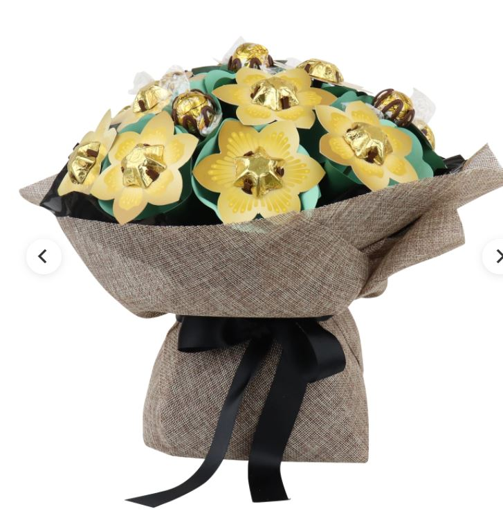 Edible Blooms Golden Flower Bouquet Grand £25