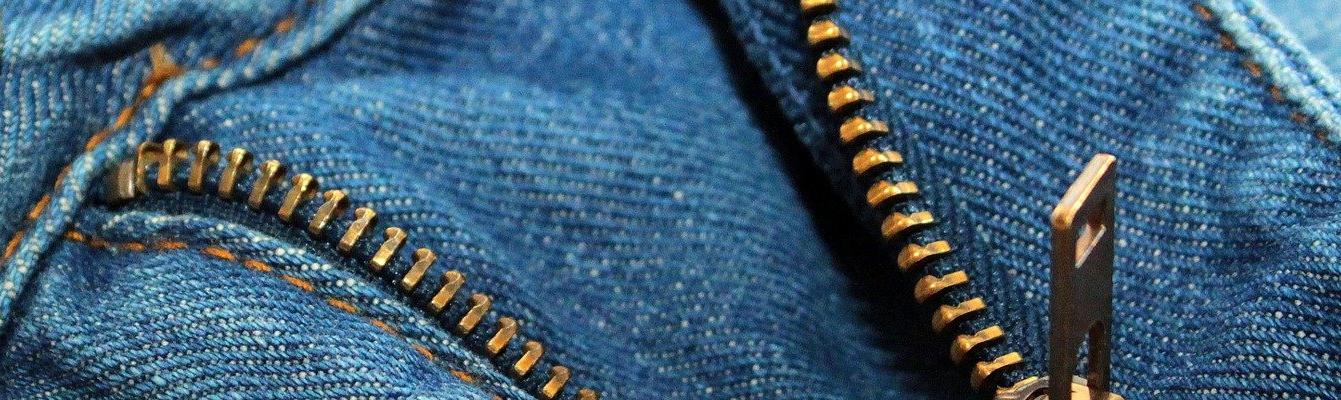 https://pixabay.com/photos/zip-jeans-jean-button-clothing-1268656/